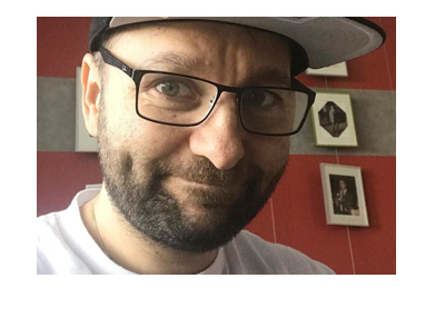 Daniel Negreanu is making a funny face.  Social media photo.