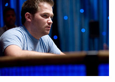 Eugene Katchalov at the WSOP 2010 - Surrounded in Blue