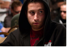 Jonathan Duhamel at the WSOP 2010 - Hoodie on - Game on