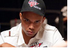 -- Phil Ivey rocking the Full Tilt gear and headphones --