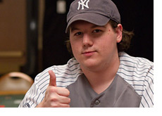 Shaun Debb at the WSOP 2010 - Thumb up