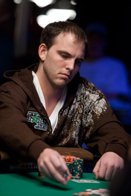 John Dolan at the WSOP 2010 - In a brown hoodie