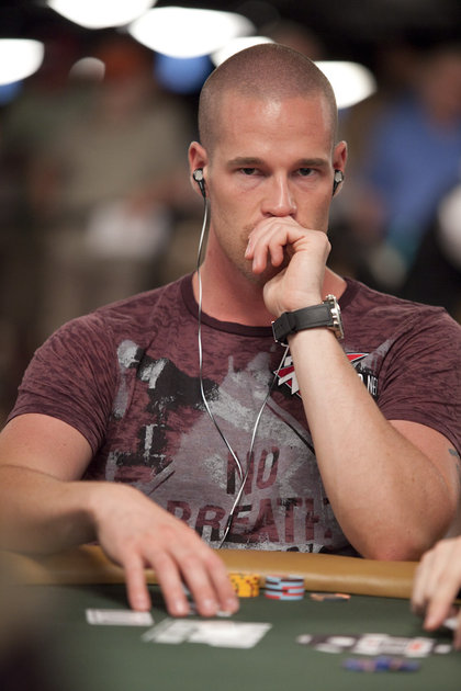 Deep Thinking Patrik Antonius at the World Series of Poker 2010 - Listening to music