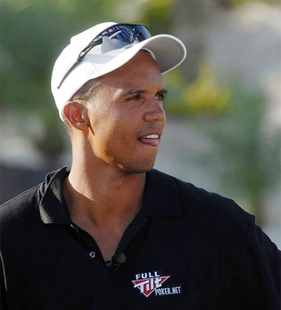 Phil Ivey at the golf course - Looking into the distance